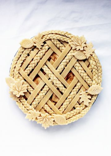 Pastry Lattice, Braids, and More: Decorative Pie Crust Tips