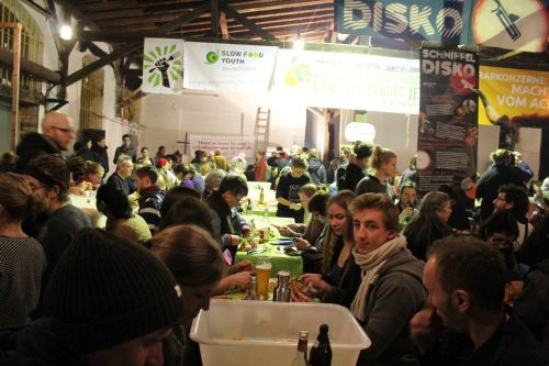 The world's largest Disco Soup against food waste