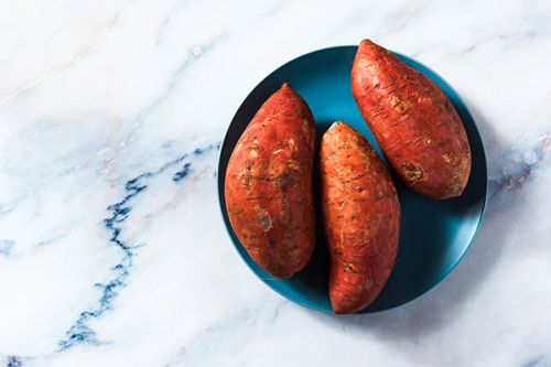 How to Cook a Sweet Potato in the Microwave