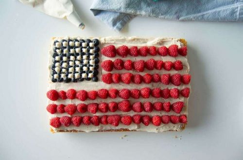 How to make a flag cake: Time for red, white, and blue