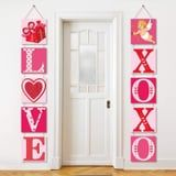 "Everyone Will Give Your Home ""the Eye"" Once They See These 30 Valentine's Day Door Decorations"